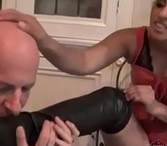 Indian Mistress Sahara Knite makes her sub lick her postilion