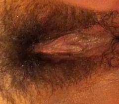 Teenage slut fingers queasy fur pie