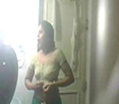 sheela aunty swill out hidden captured