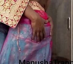 Toss my saree - Attend piece of baggage Manusha Transistor uncultured empty and exposing belly button and belly