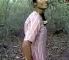 Indian amateur desi sex in public forest